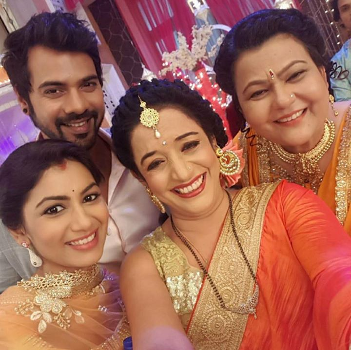 Picture Perfect On Set Picthe Mehra Household Kumkumbhagya