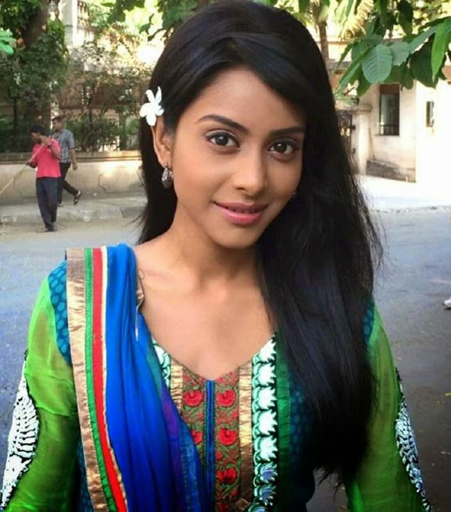 So Far She Acted In 2 Series Askalpana Yadav Reach For The Stars Sawri Singh Saloni